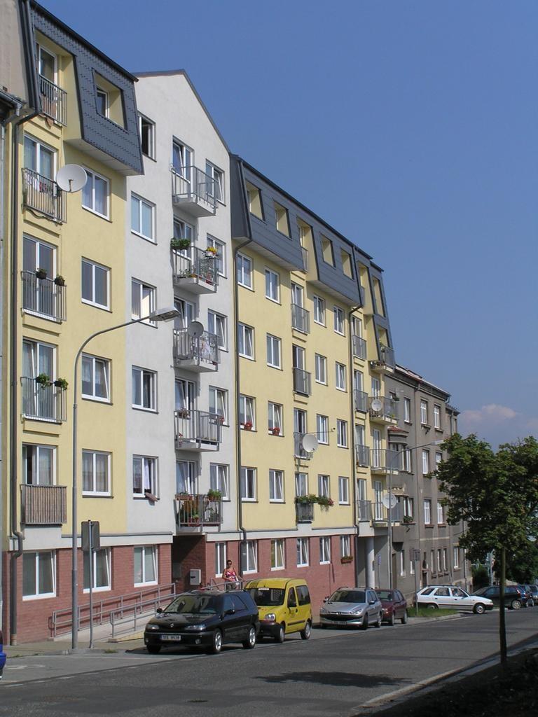 Pohled na průčelí - ulice K Nemocnici